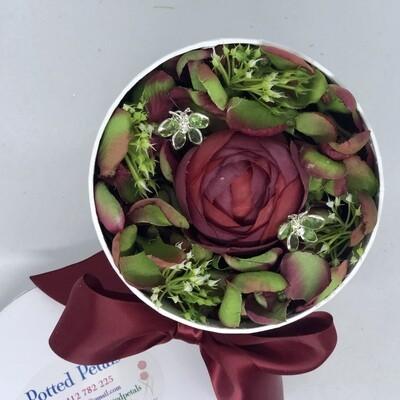 XMAS - Red & Green Floral Gift Box