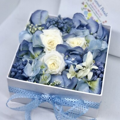 GEMMA - Blue & White Floral Gift Box