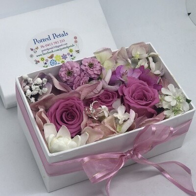 SALLY - Pink Floral Gift Box