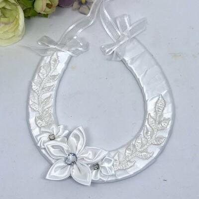 FREESIA - White Lace Horseshoe Good Luck Charm