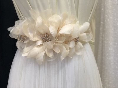 CORDELIA - Flower Spread Sash Belt - Champagne with Bling