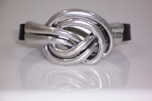 Double knot leather bracelet