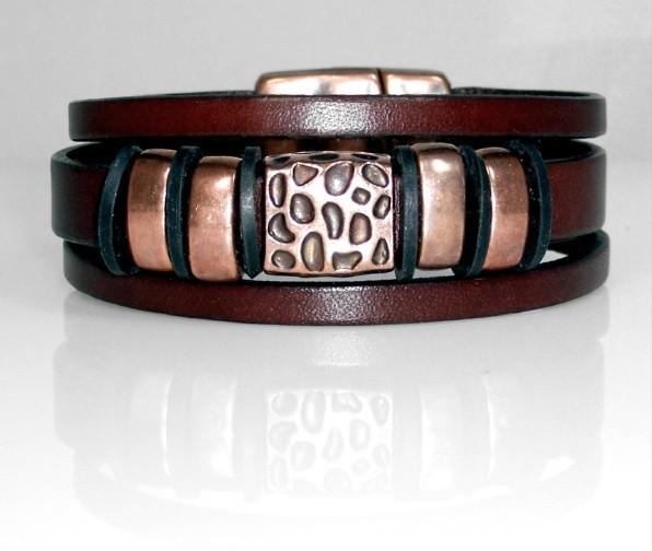 Flat leather bracelet