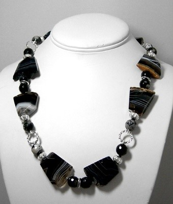Agate & silver necklace