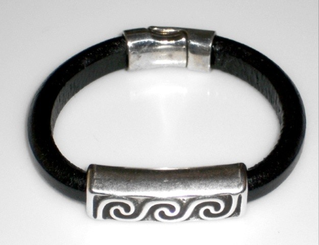 Leather bracelet with wave design finding