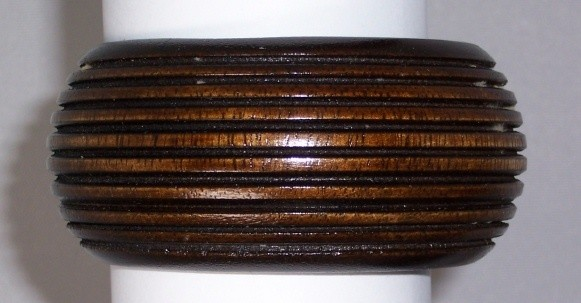 Ribbed wood cuff