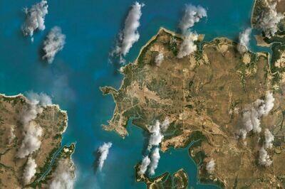 Darwin harbour 6x4 clouds cloth