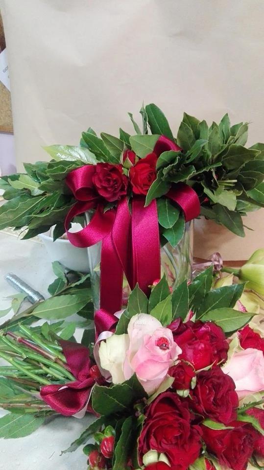 CORONA di LAUREA con ROSA su chiusura  e fiocco rosso