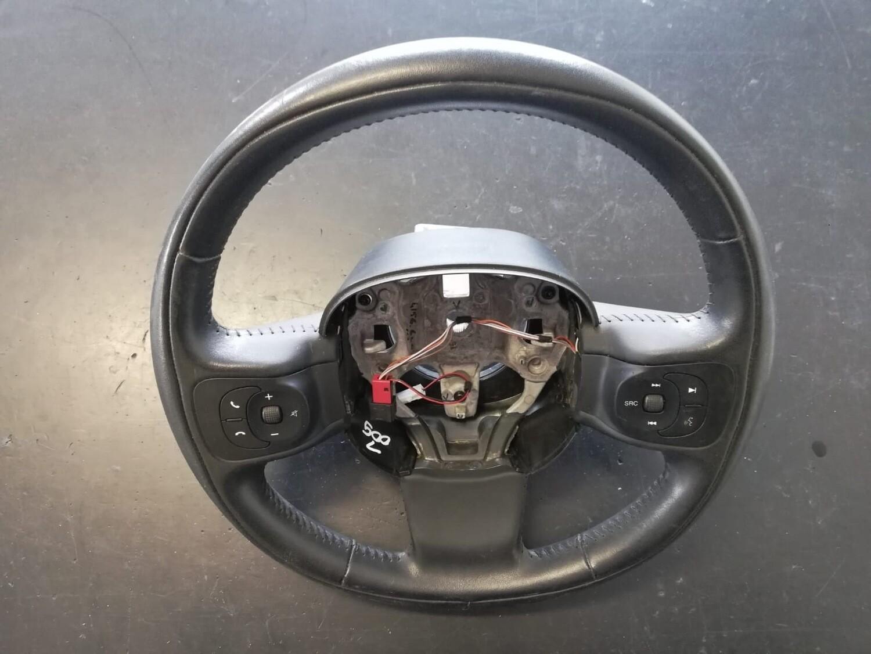 Volante Fiat 500 L 2016
