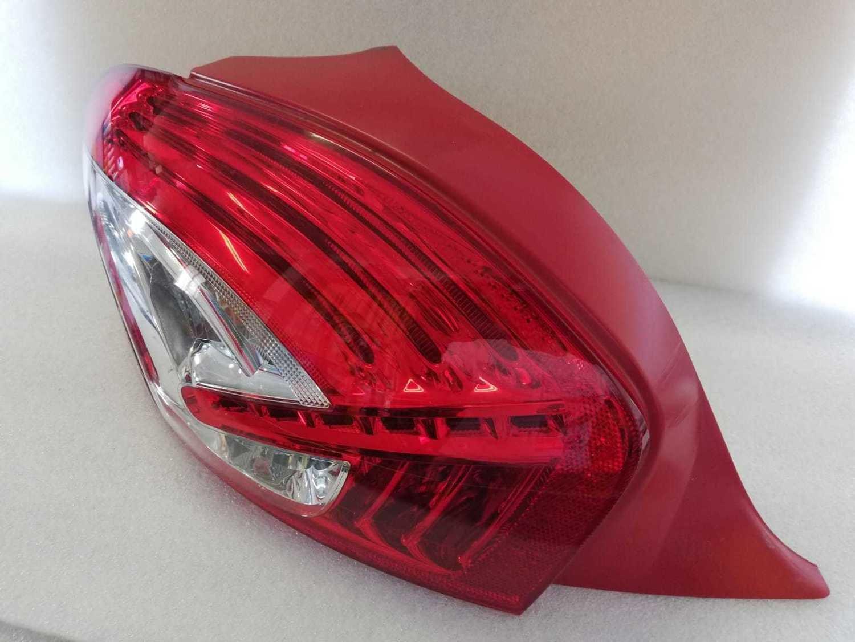 Fanale Peugeot 208 Post. SX