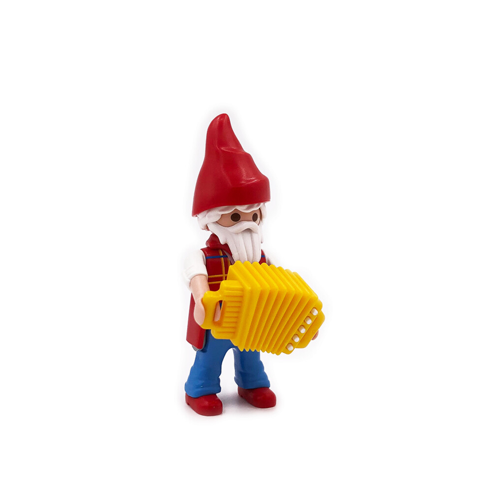 70025 Gnome with Accordion