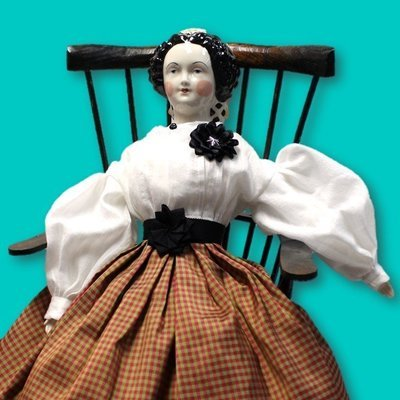 Mourning Doll Cockade