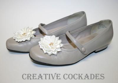 Cream Fleur de Lis Shoe Rosettes