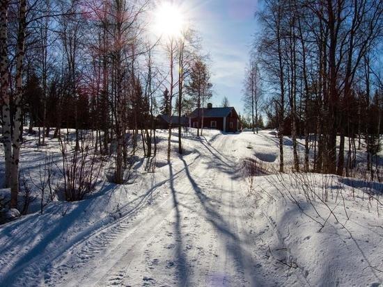 Ski the Finnish Russian Frontier
