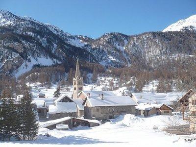 Hautes Alpes: Nevache Snowshoe