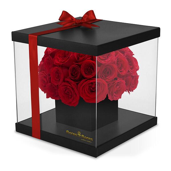 Elegantes Rosas Rojas en caja Acrilico   AMITIE