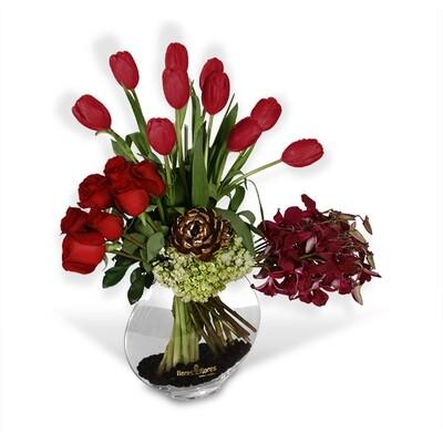 Bouquet Rosas Rojas y Orquídeas Oro | BE MINE