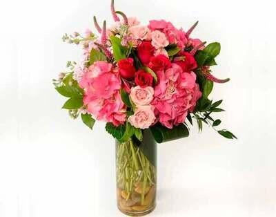 Arreglo floral de Hortensias y Rosas I VERNAZZA