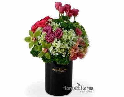 Arreglo Floral Orquideas, Tulipanes y Rosas | LOVELY