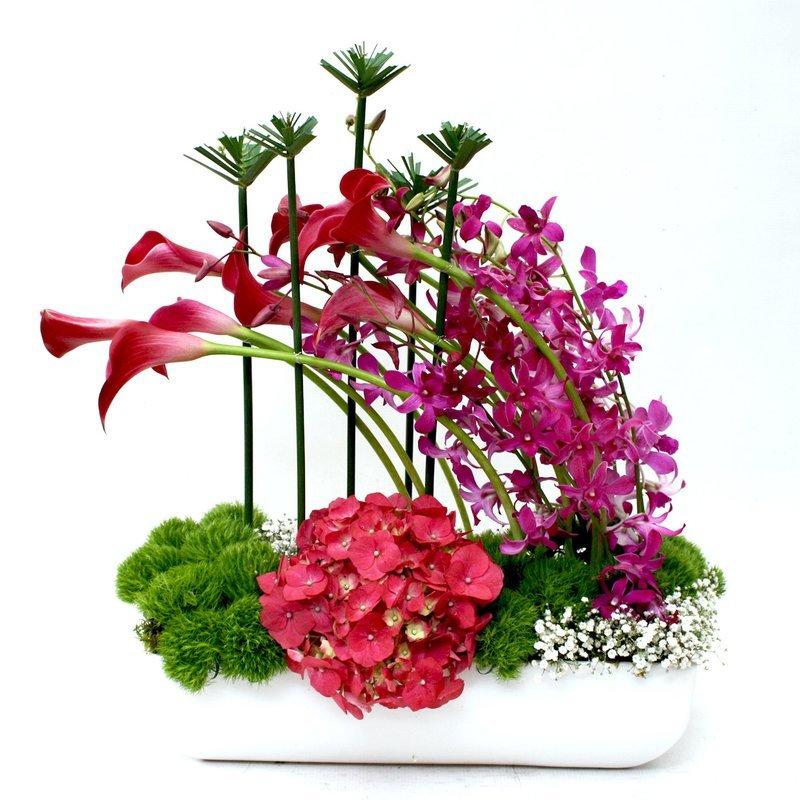 Arreglo Floral Orquídeas, Callas  y Hortensias   ANIMO