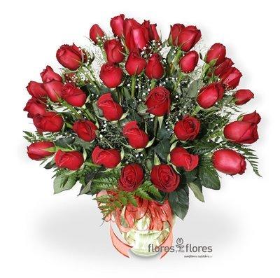 Arreglo Floral de 24 Rosas rojas  | AMORE