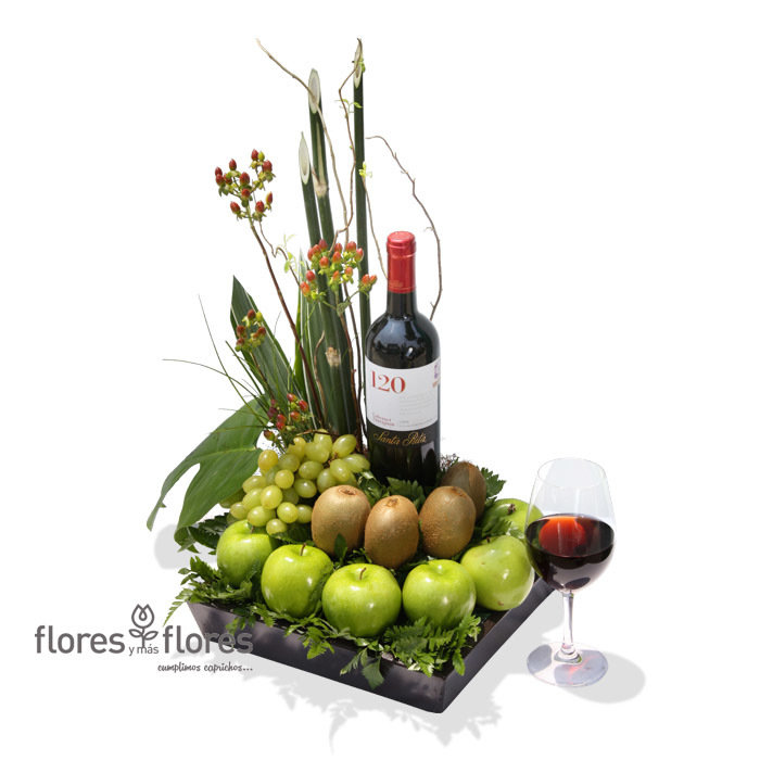 Arreglo de Frutas y Vino Tinto   CHILENO