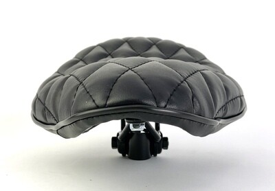 Black BoardTracker/Chopper Saddle with Diamond Quilting