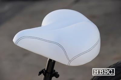 HBBC Gel Coat Seat White w/ Black Stitching