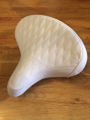 Quilted Beach Cruiser Saddle, White