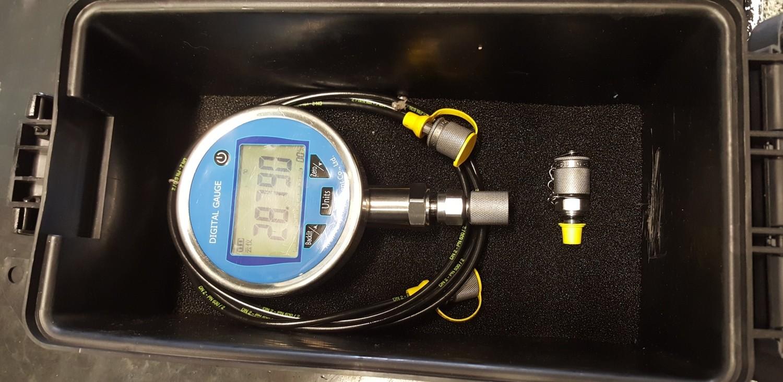 Digital Pressure Test Kit 0-8800 PSI 100mm Dia face 2m test hose & tough case.