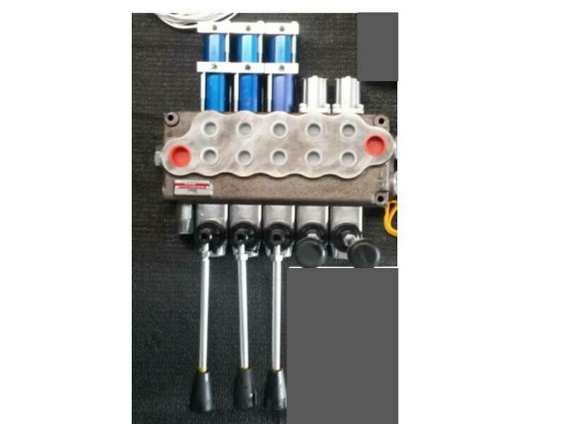 5 SPOOL MONOBLOCK VALVE 80LPM 3 ELECTRIC / AIR