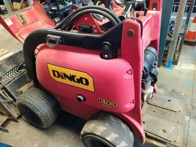 Dingo  K94 Fiberglass Panels Model Hydraulic Pump