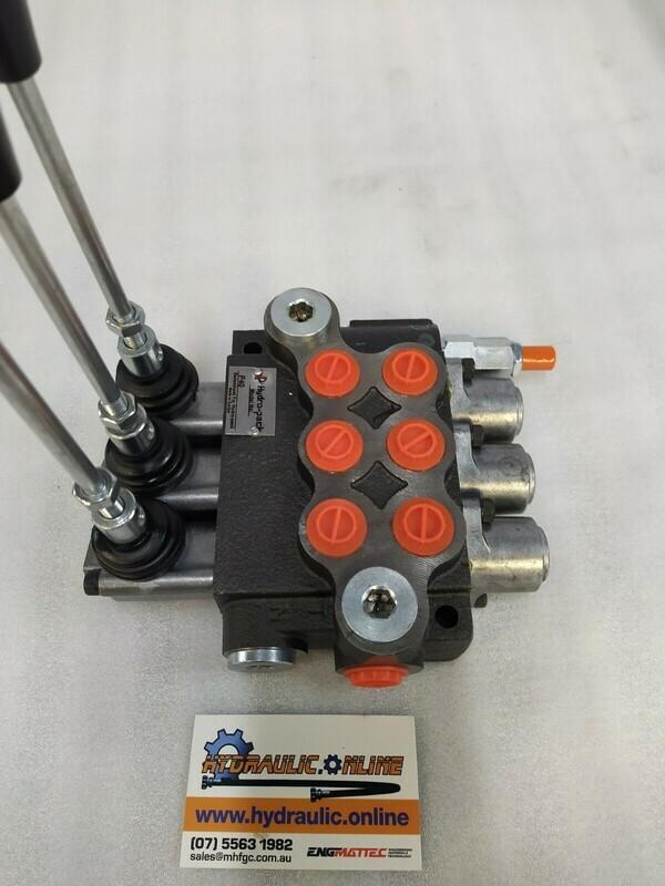 Hydraulic Flow Control Valve  BSP Ports 3 Spool Double Acting 40 Lpm Monoblock valve DCV