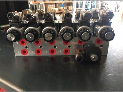 Electrically Controlled Cetop 5 Hydraulic Oil Control Manifold 80-100 LPM CHERRY PICKER / TRUCK