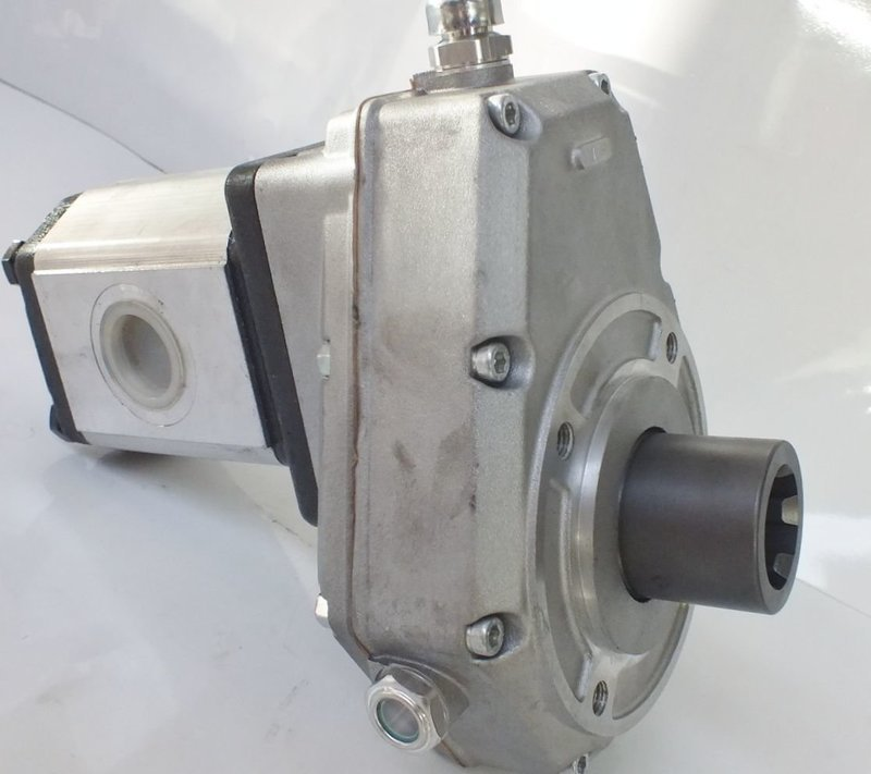 PTO SPEED INCREASE GEARBOX PUMP UP TO 50Lpm  MADE  TRACTORS