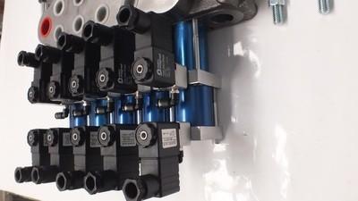 Hydraulic Flow Control Valve REMOTE CONTROL READY 6 Spool 80 Lt/Min
