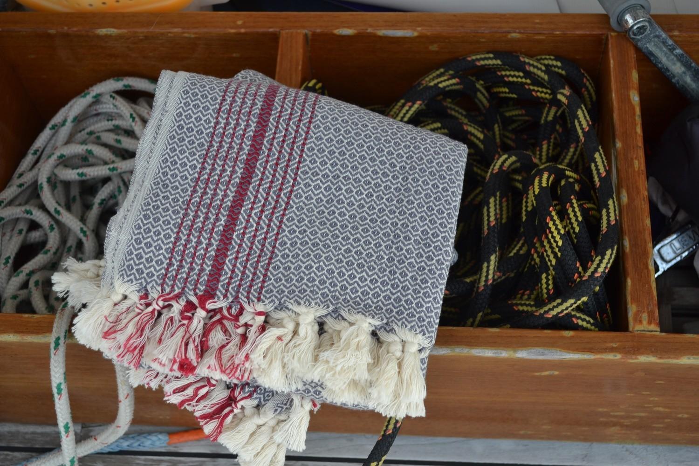 Mandalina - Valencia Bath Towel (Click to color options)