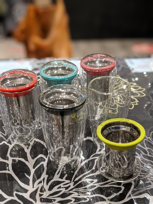 Tasse en verre double paroi avec infuseur