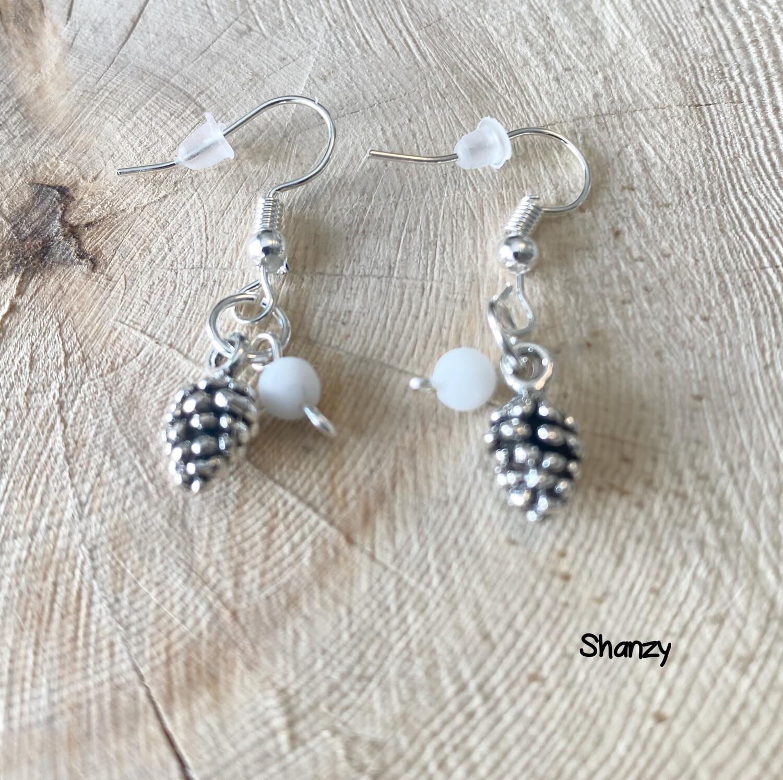Onyx Sm. Pine Cone Earrings