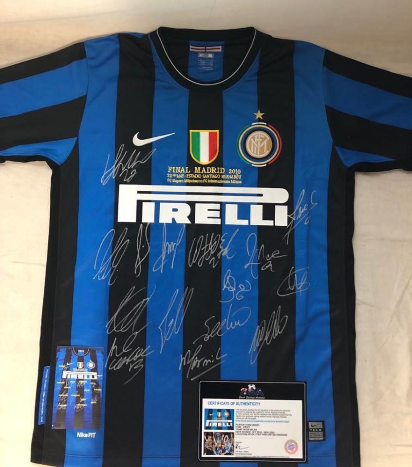 Inter REPLICA  Finale Madrid 2010 Autografata da tutta la Squadra  Signed all teams with COA certificate
