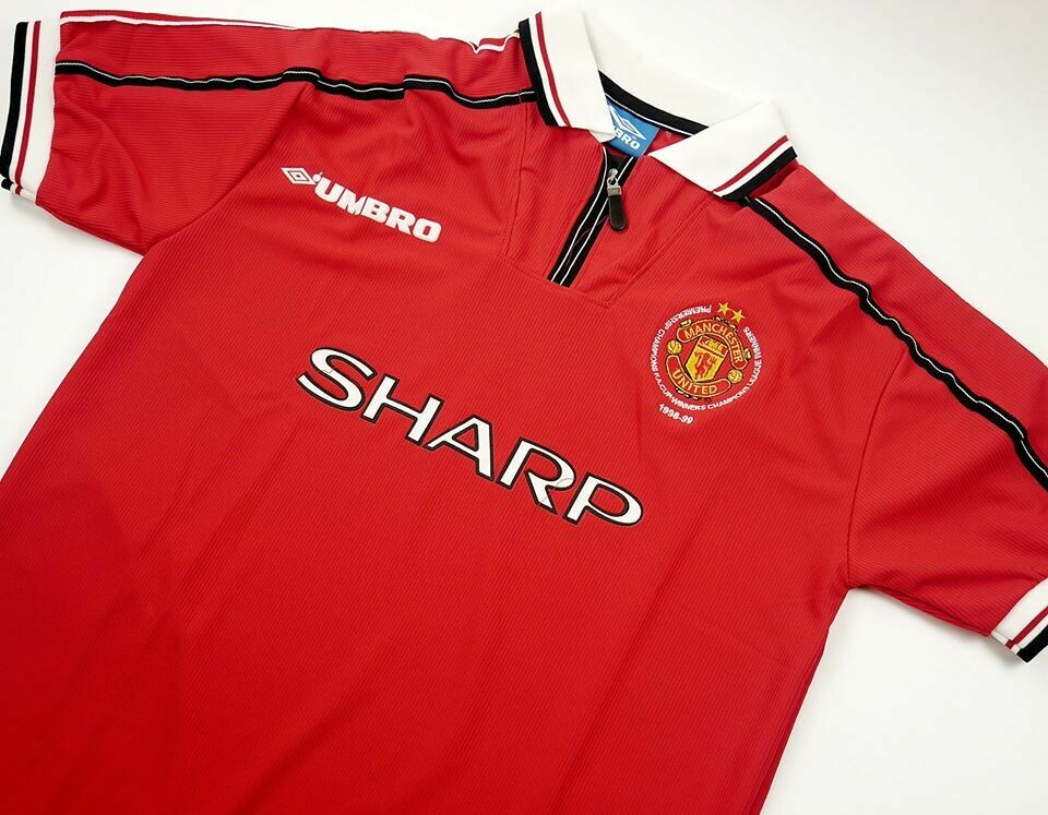 MAN UTD TREBLE 1999 3 CHAMPIONS WINNER MAGLIA TROUBLE