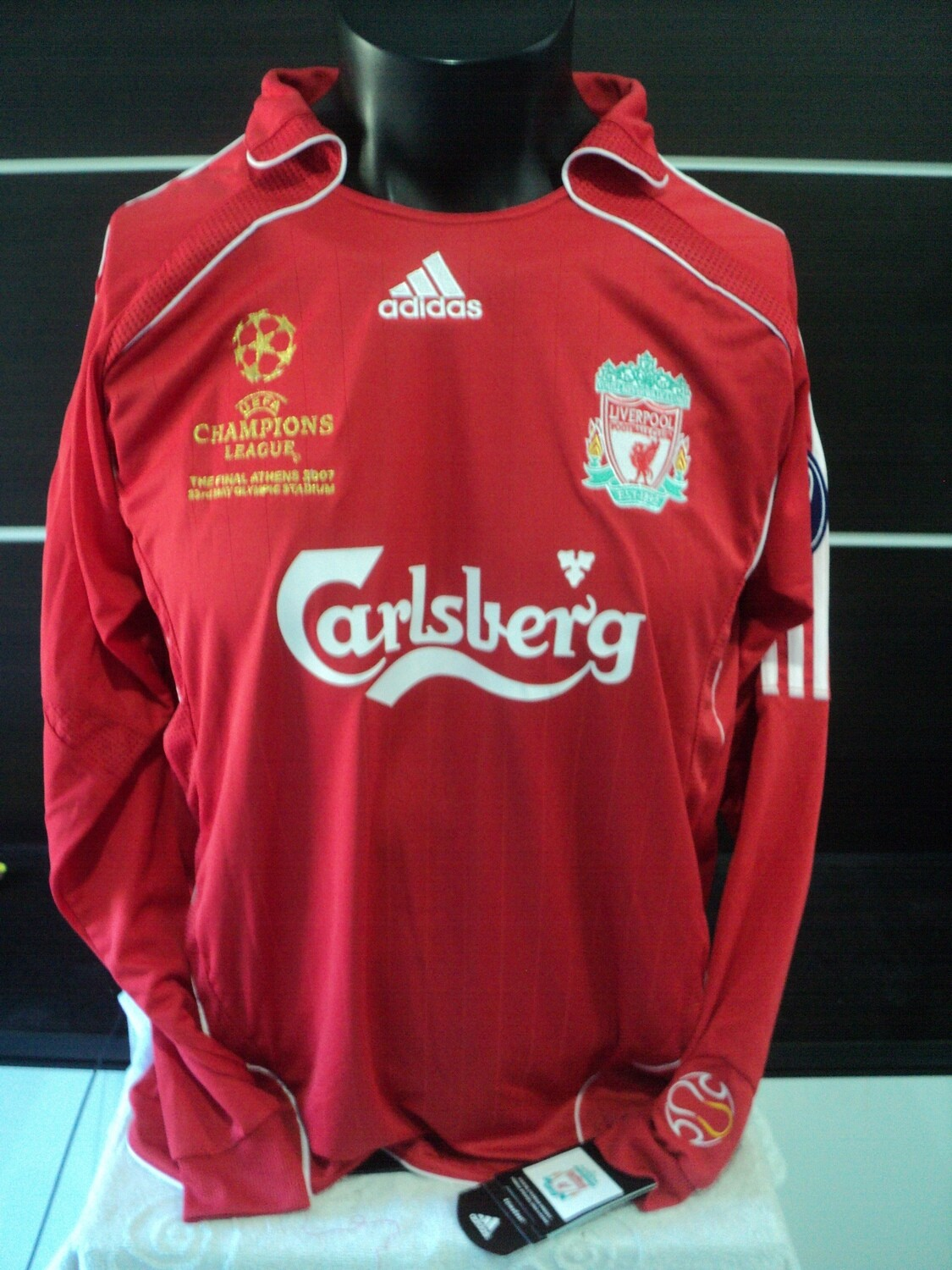 NR 233    LIVERPOOL FINAL CHAMPIONS 2008 MANICHE LUNGHE LONG SLEEVES
