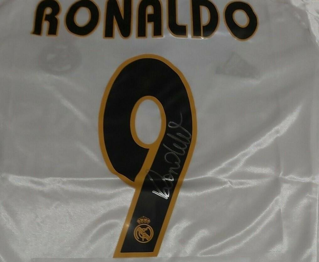 REAL MADRID SIEMENS RONALDO 9 FENOMENO  AUTOGRAFATA SIGNED AUTOGRAPH RONALDO DE LIMA FENOMENO  REAL MADRID