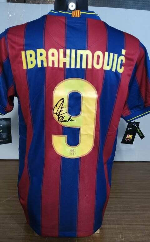 Barcelona  Autografata da Zlatan Ibrahimovic con certificato di autenticita' Signed From IBRAHIMOVIC  with certificate coa of authetincitiy IBRACADABRA