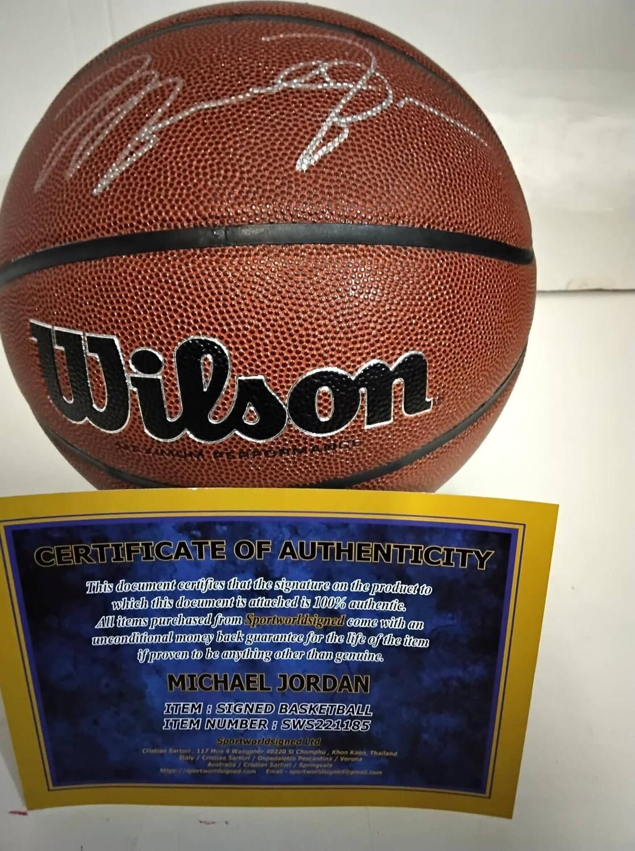 Michael Jordan 23  Pallone Nba Autografato  Signed Michael Jordan 23 with COA certificate STOCK ITALIA PRONTA CONSEGNA READY TO SHIP ITALY