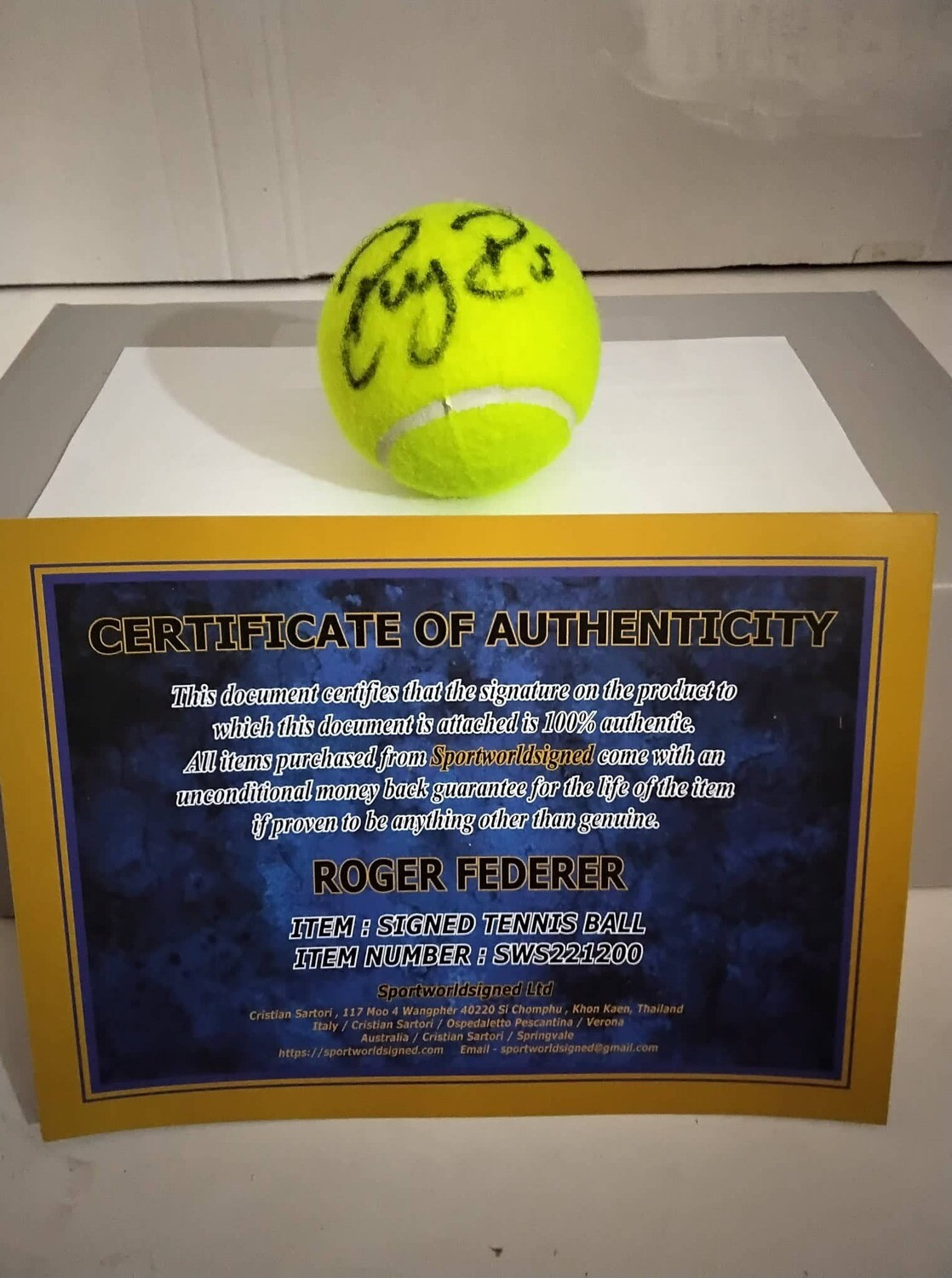 Pallina Tennis ROGER FEDERER   Autografata  Signed ROGER FEDERER RF with COA certificate of authenticity PRONTA CONSEGNA READY TO SHIP