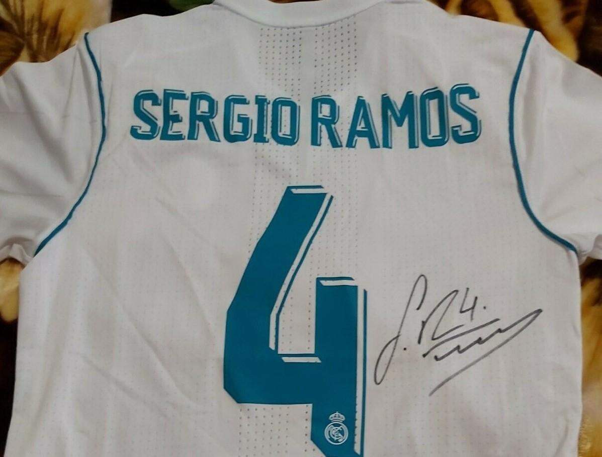 REAL MADRID SERGIO RAMOS 4 Autografata RAMOS REAL MADRID   Signed RAMOS 4 Autograph  with COA certificate