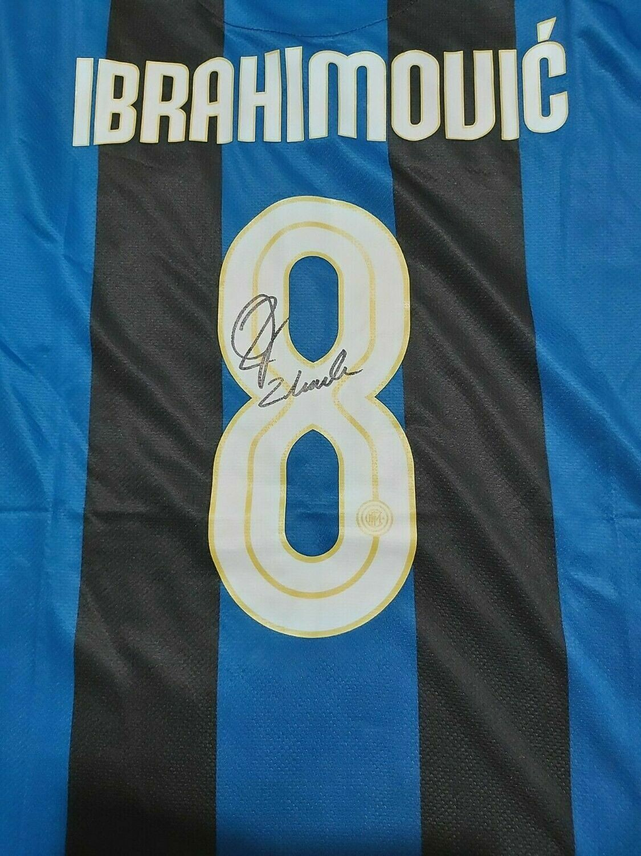 Inter  Autografata da Zlatan Ibrahimovic con certificato di autenticita' Signed From IBRAHIMOVIC  with certificate coa of authetincitiy IBRACADABRA