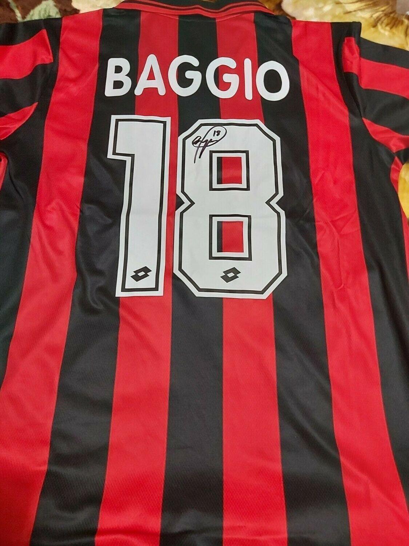 MILAN  ROBERTO BAGGIO MAGLIA MILAN  AUTOGRAFATA BAGGIO18 SIGNED AUTOGRAPH JERSEY MILAN  BAGGIO 18 AUTOGRAPH HAND SIGNED AUTOGRAFO