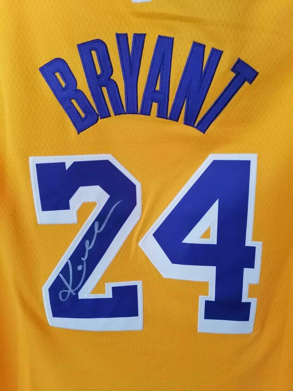 Maglia Kobe Bryant  Lakers Los Angeles Autografata Signed Lakers Kobe Bryant 24  Signed Autograph HAnd Signed NBA